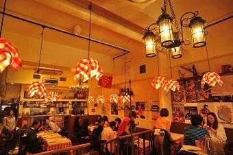 パリのワイン食堂のバイト写真2