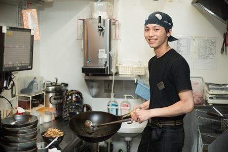 伝説のすた丼屋 談合坂SA店のバイト写真2