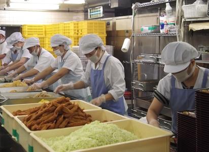 給食センターのバイトメイン写真