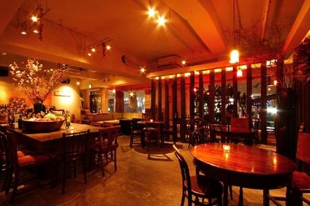 麹町カフェのバイトメイン写真