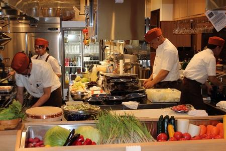 沖縄赤鶏とあぐーのお店とりひろ 京橋店のバイト写真2